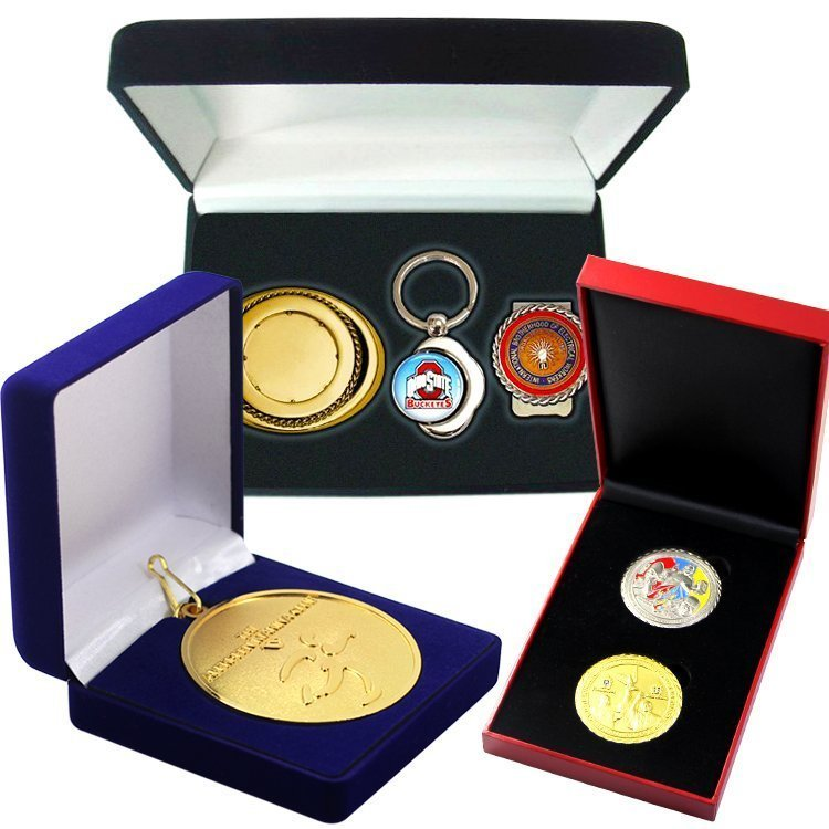 medal with boxes